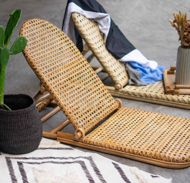 ARAW Foldable Rattan Chair
