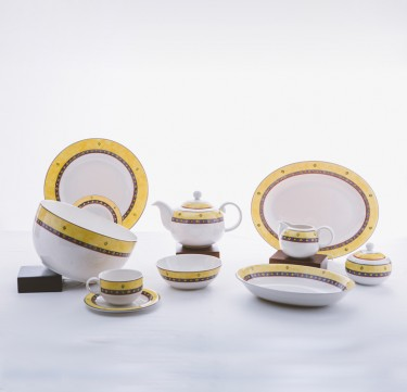 36-Piece Lisbon Dinnerware Set