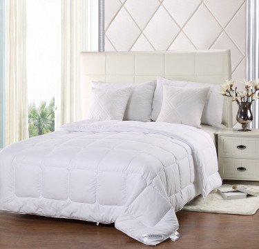 CloudLight Comforter