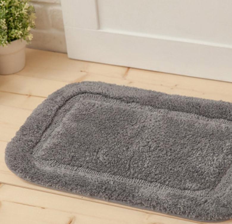 Medium Lux Border Bath Rug