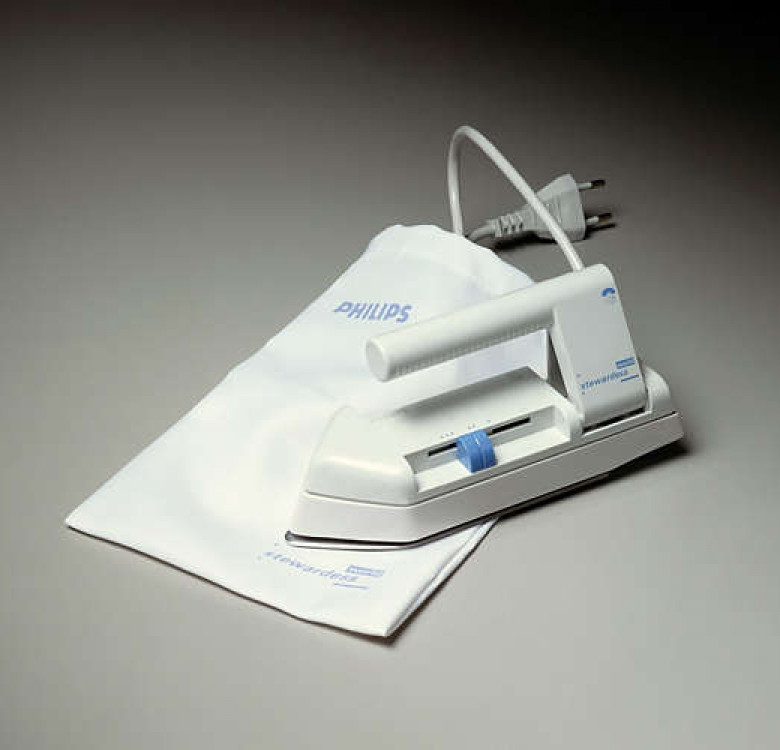 HD1301 Travel Iron