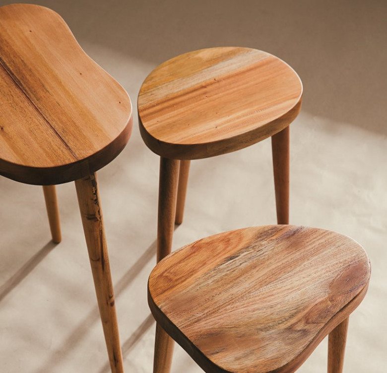 "Curved Stool (Kidney 24"")"