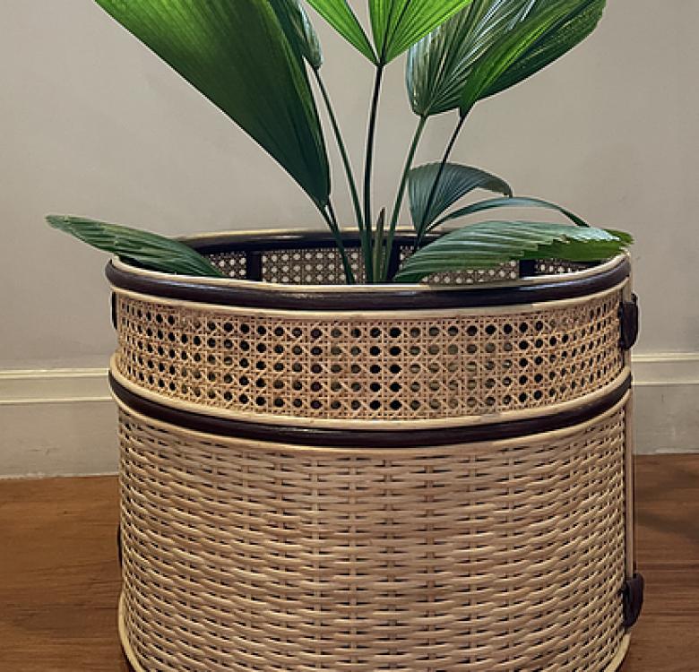 Yarra Pot Wrap-Around Planter
