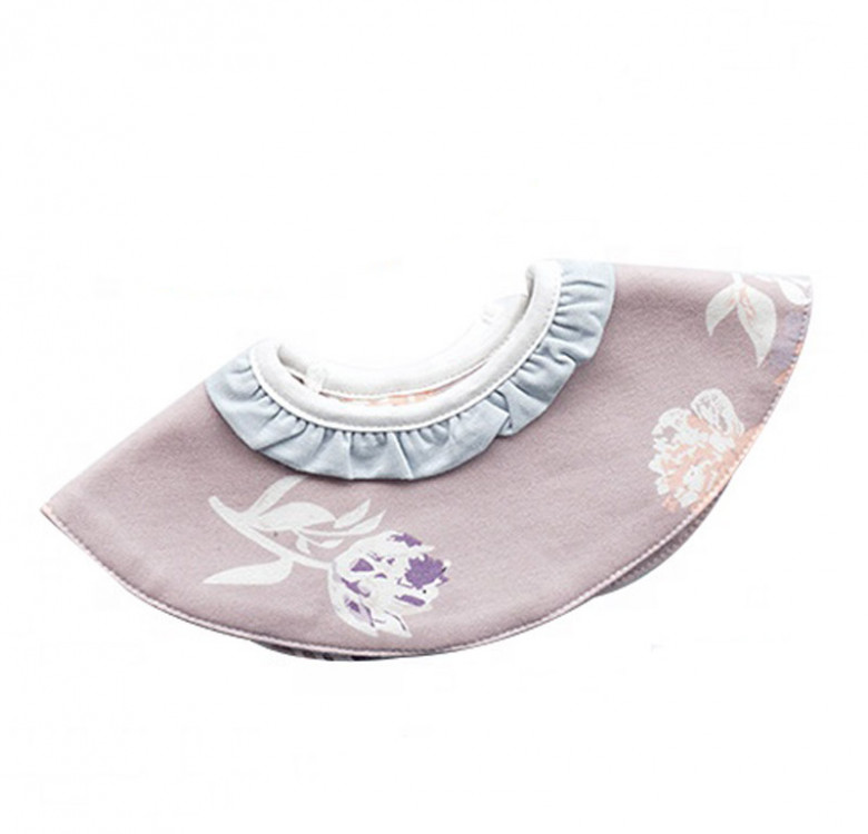 In Full Bloom 360° Bib with Ruffles