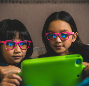 Blue Light-blocking Gadget Glasses (Ages 4-7)