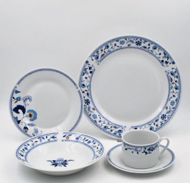20-Piece Capri Dinnerware Set