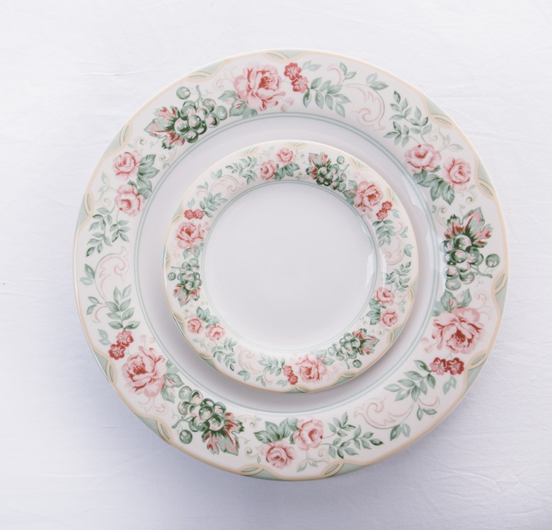 30-Piece Bronte Dinnerware Set
