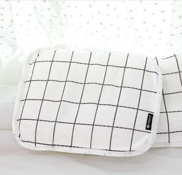 3D Mesh Pillow (Nuvo Check)