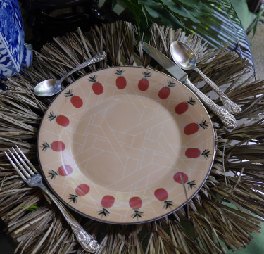 Pineapple Solihiya Dinner Plates
