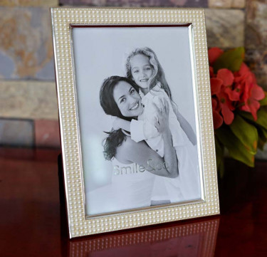 Precious Pearls Photo Frame