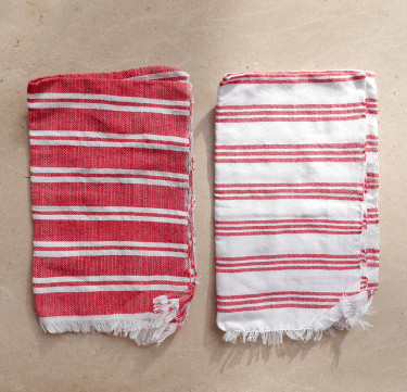 Berry Fingertip Towels