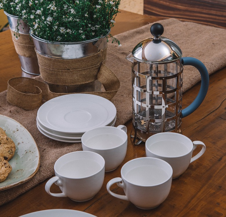 L'Hotelier Convex Dinnerware Set
