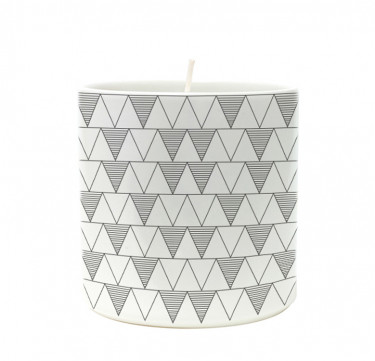 Triangles Line Filled Candle in Morgen Cup