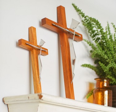 The Carpenter Cross - Narra