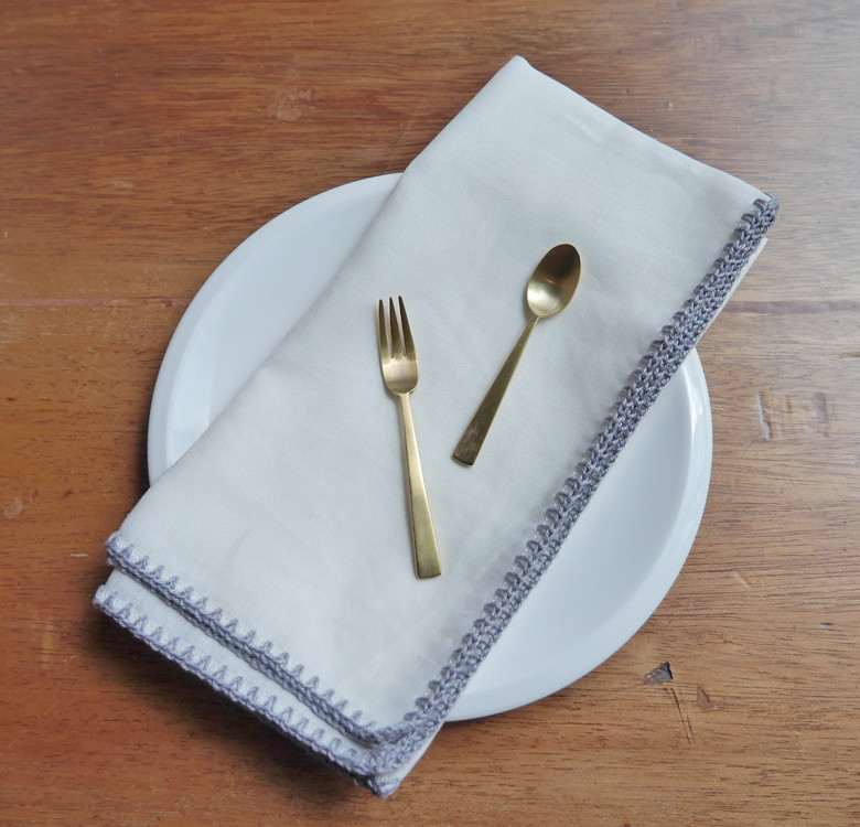 Gellie Dinner Napkin Set for 4