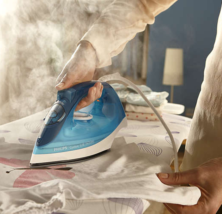 GC1436/20 Steam Iron