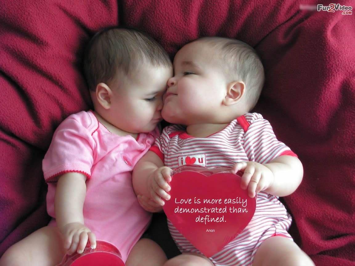 cutest-babies-love-wallpaper___20140214033940___.jpg