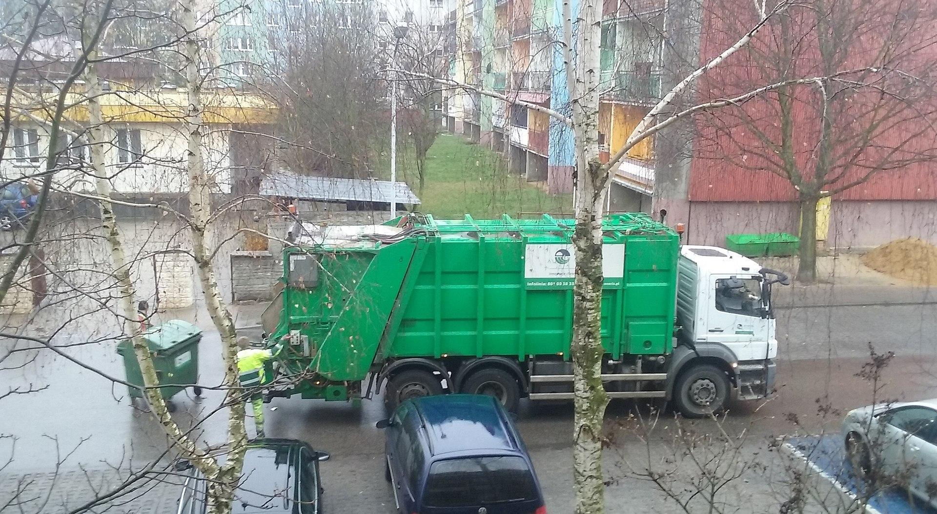 Huge_Garbage_Truck___20191031012440___.jpg