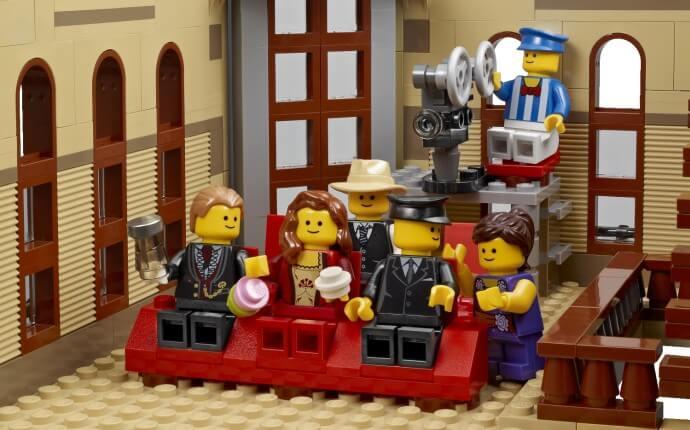 Mua đồ chơi LEGO 10232 - LEGO Creator Expert 10232 - Mô hình cao cấp Rạp chiếu phim Kinh điển (LEGO Creator Expert Palace Cinema 10232)
