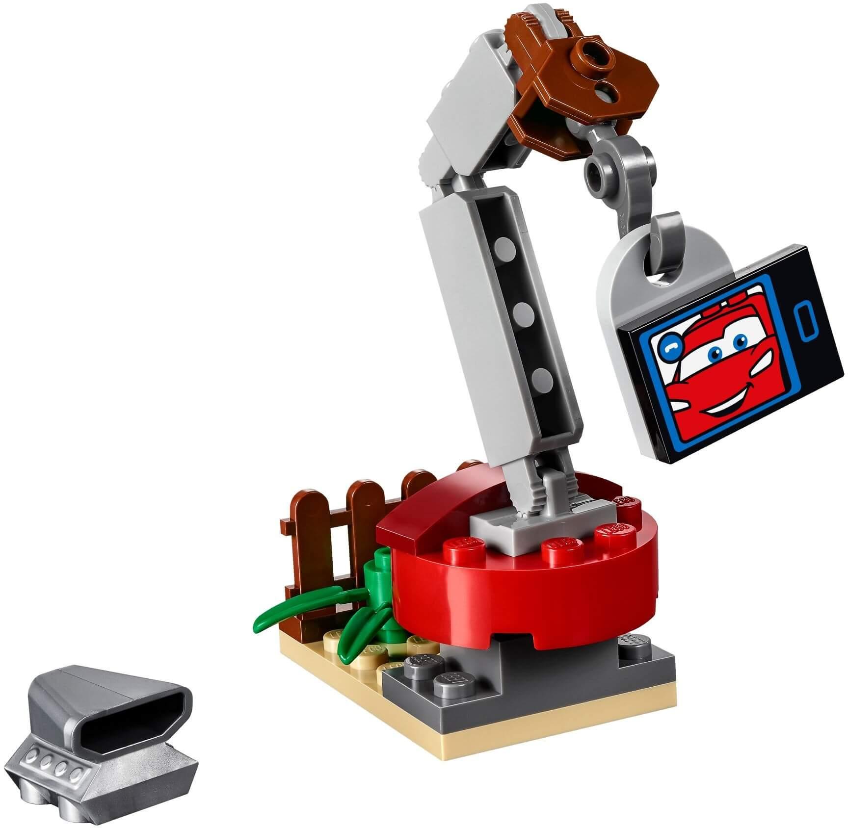 Mua đồ chơi LEGO 10733 - LEGO Juniors 10733 - Bãi Phế Liệu của Mater (LEGO Juniors Mater's Junkyard)