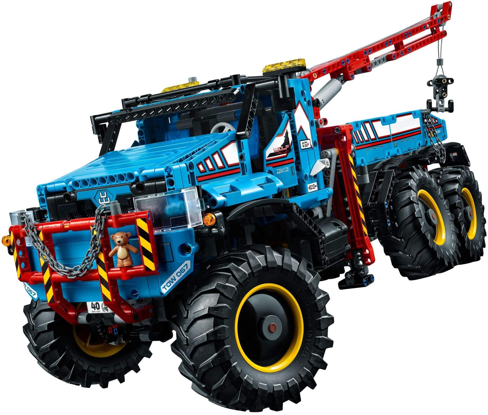 Mua đồ chơi LEGO 42070 - LEGO Technic 42070 - Xe Tải Cẩu 6 Bánh Điều Khiển Từ Xa (LEGO Technic 6x6 All Terrain Tow Truck)