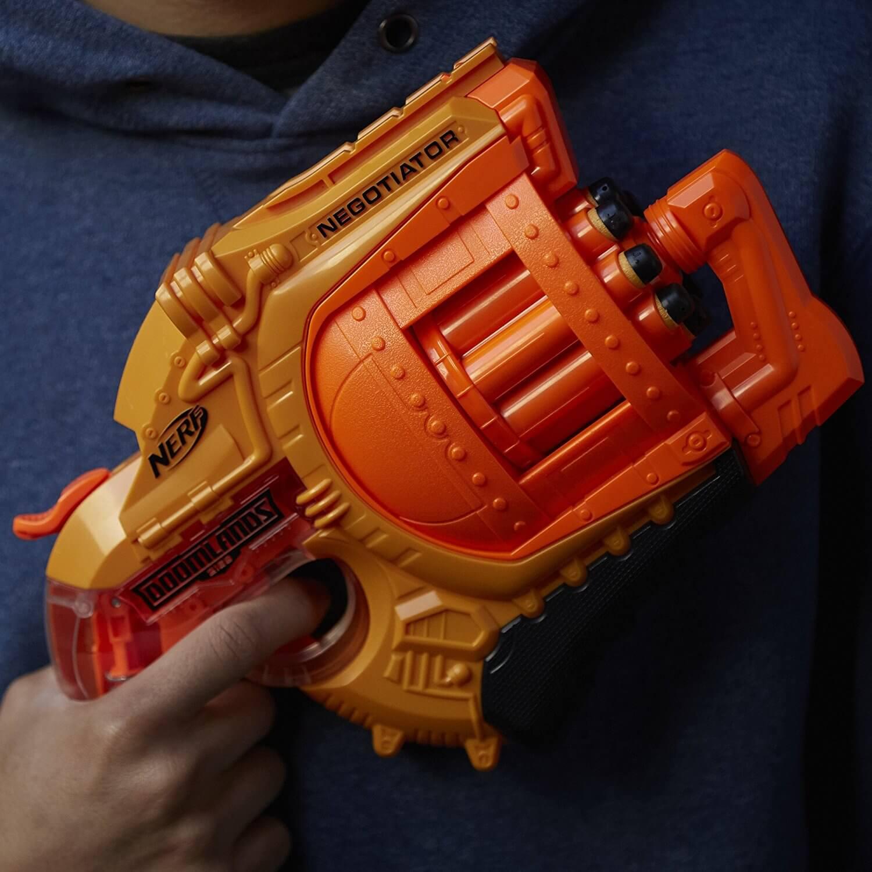 Mua đồ chơi súng NERF B8572 - (mã: B8572) Súng NERF NEGOTIATOR (dòng Doomlands 2169)