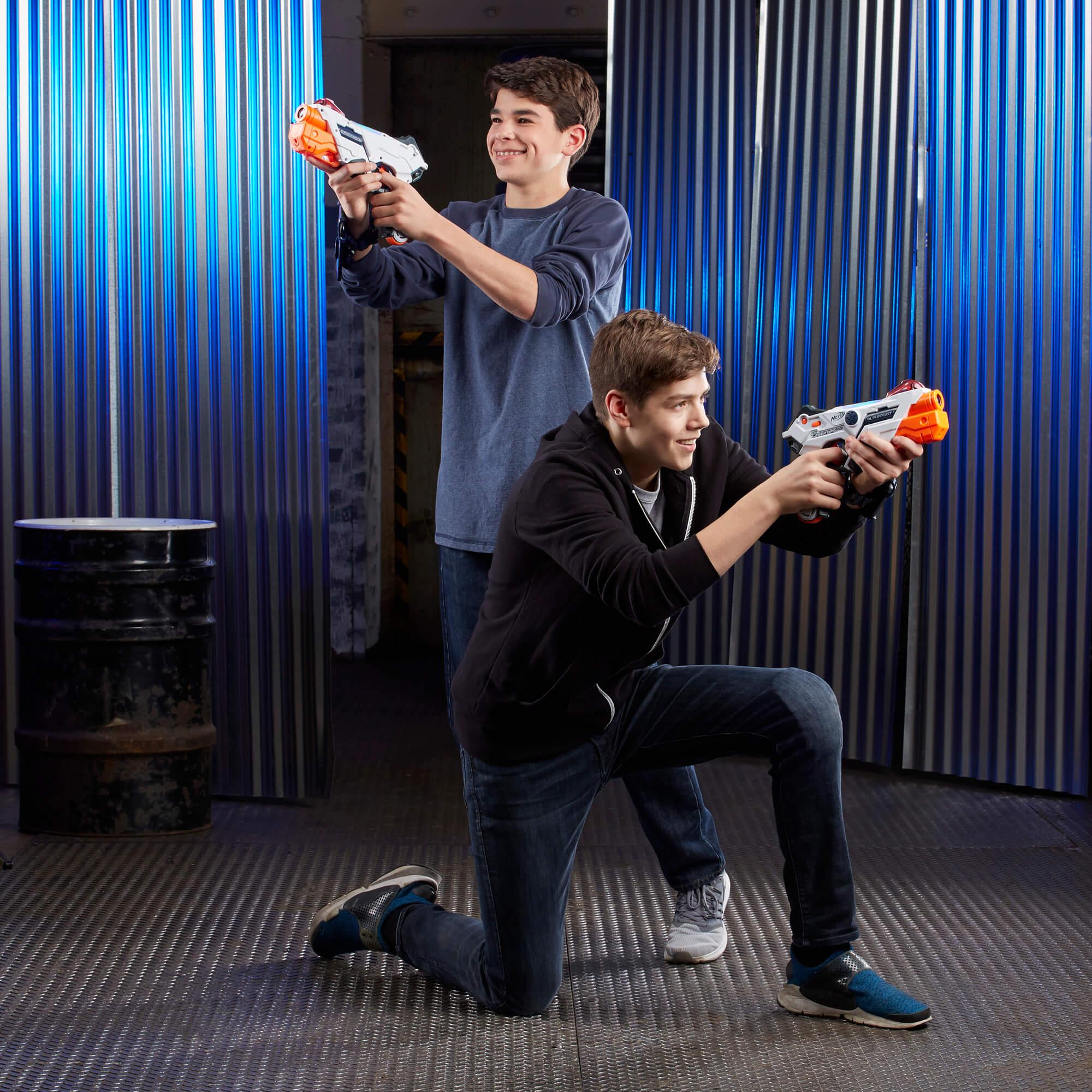 Mua đồ chơi súng NERF E2281 - (Mã: E2281) Bộ 2 Súng NERF Laser Ops Pro AlphaPoint (dòng Laser Ops)