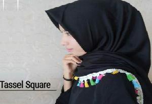 Jilbab Segiempat Renda Tassel
