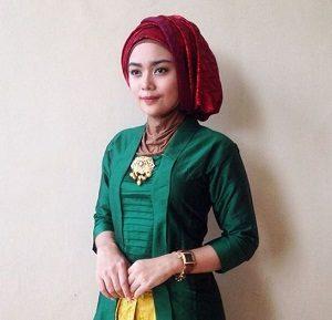 Hijab Pashmina Kebaya Elegan
