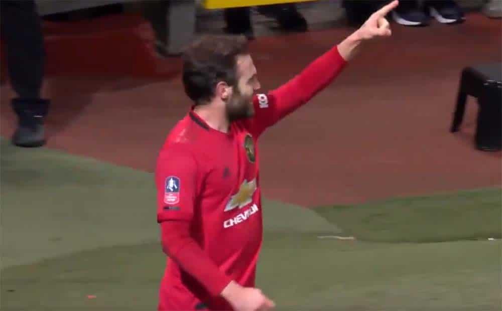 Selebrasi Juan Mata Usai Cetak Gol di Pertandingan Manchester United Vs Wolverhampton