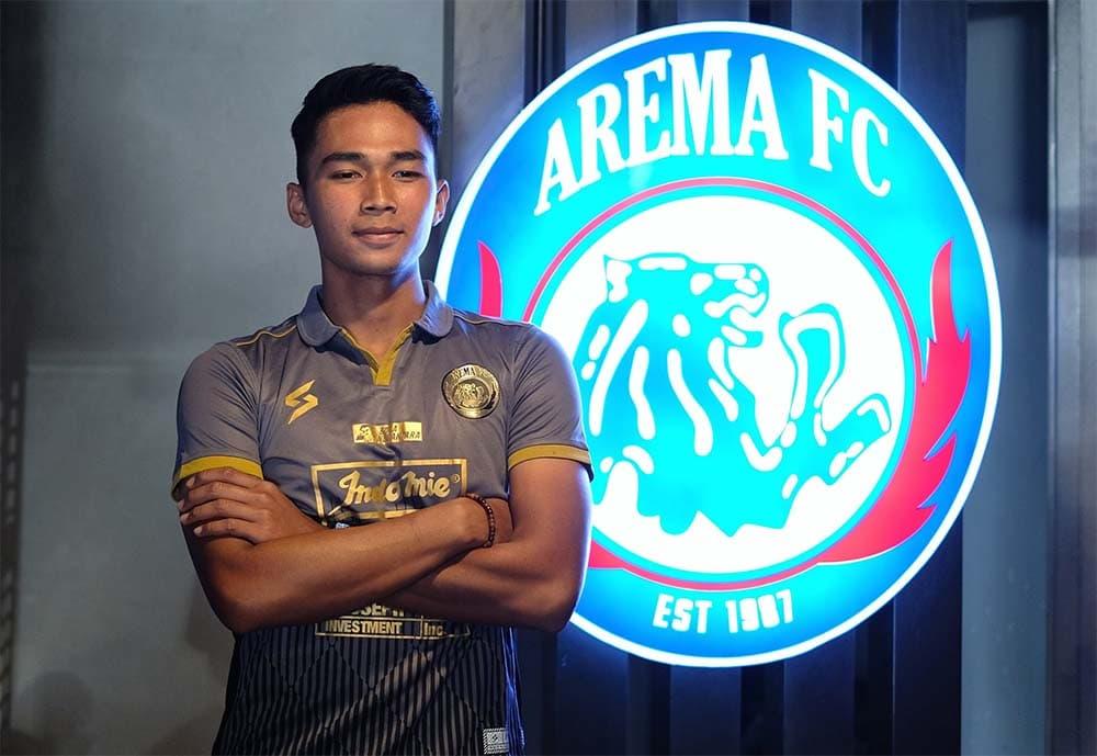 foto Bagas Adi Nugroho di acara perkenalan pemain baru Arema FC