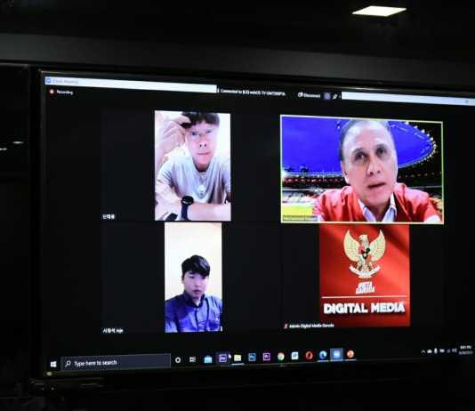 Ketum PSSI zoom dengan pelatih timnas Indonesia Shin Tae-Yong