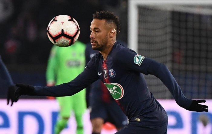 Neymar dalam laga melawan Strasbourg