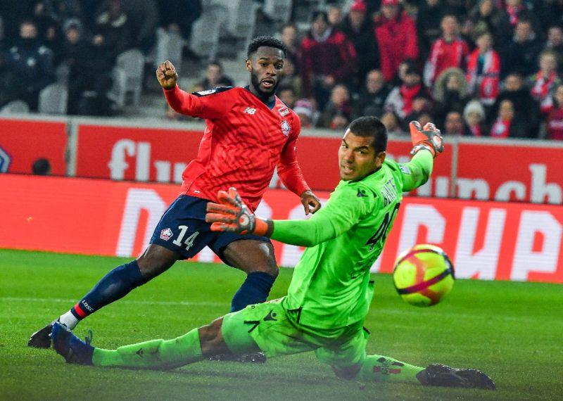 Momen saat Jonathan Bamba cetak gol ke gawang Nice (Sports Yahoo)