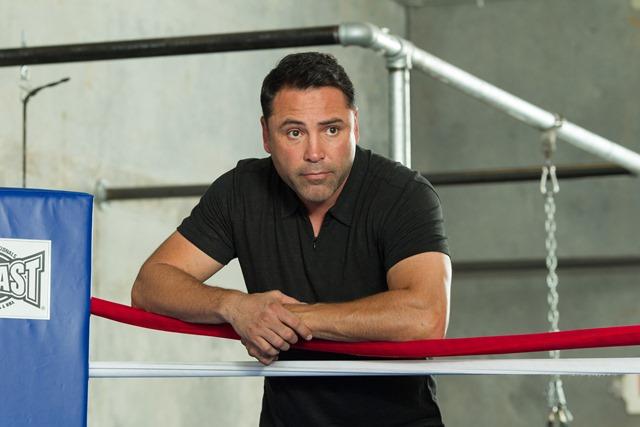 Oscar De La Hoya Sebut Nama Errol Spence Jr. Sebagai Kandidat Penantang Saul Canelo Alvarez