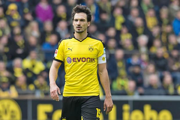 Mats Hummels Saat Memperkuat Borussia Dortmund