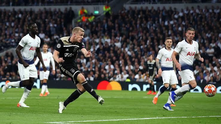 Real Madrid Dekati Pemain Muda Ajax  Dony Van De Beek