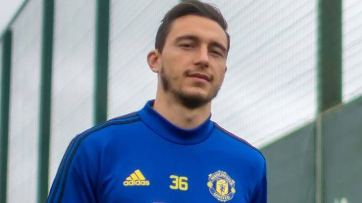 Mateo Darmian Resmi Berlabuh Ke Parma