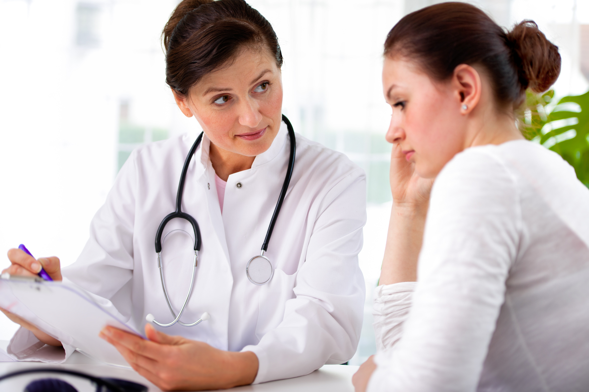 treatment of women in early complex Thousands of women from 15 to 44 experience premature early menopause every year and experience the dramatic effect of sudden estrogen crash learn about treatment for early menopause.