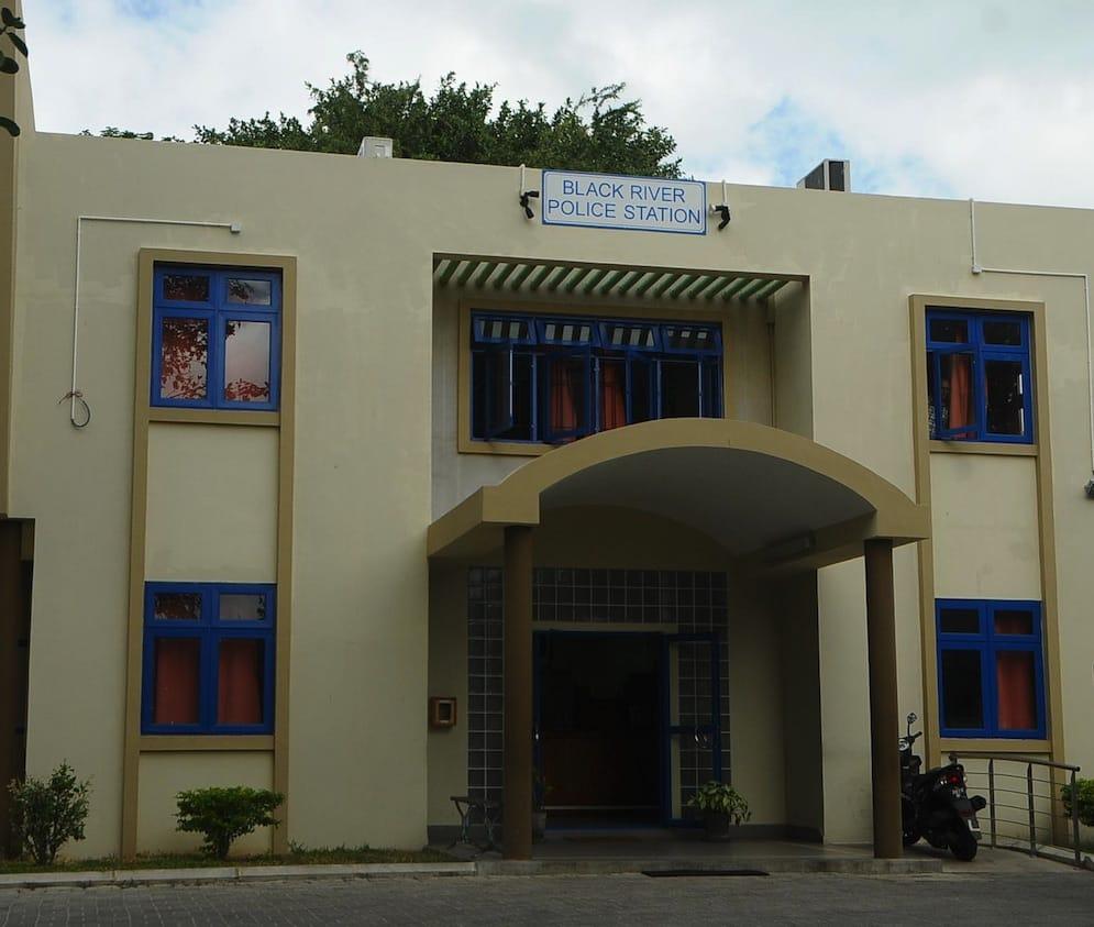 Bureau de change shibani rs 2 millions emport es le mauricien - Bureau de change porte de clignancourt ...