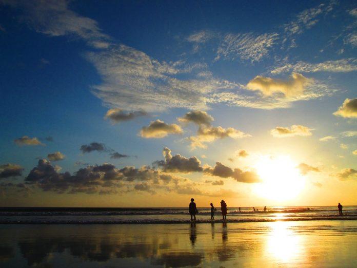 M t o du beau temps l 39 horizon ce mercredi le mauricien for L or du temps meuble