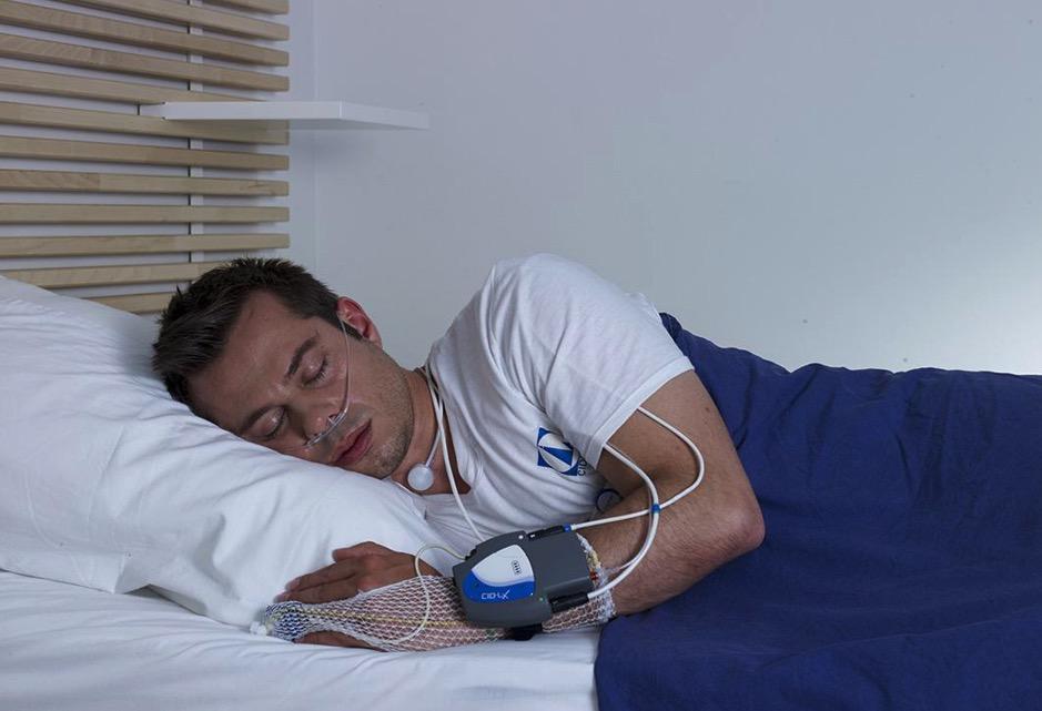 Apnée du sommeil : Un appareil de détection, sans contact, sera ...