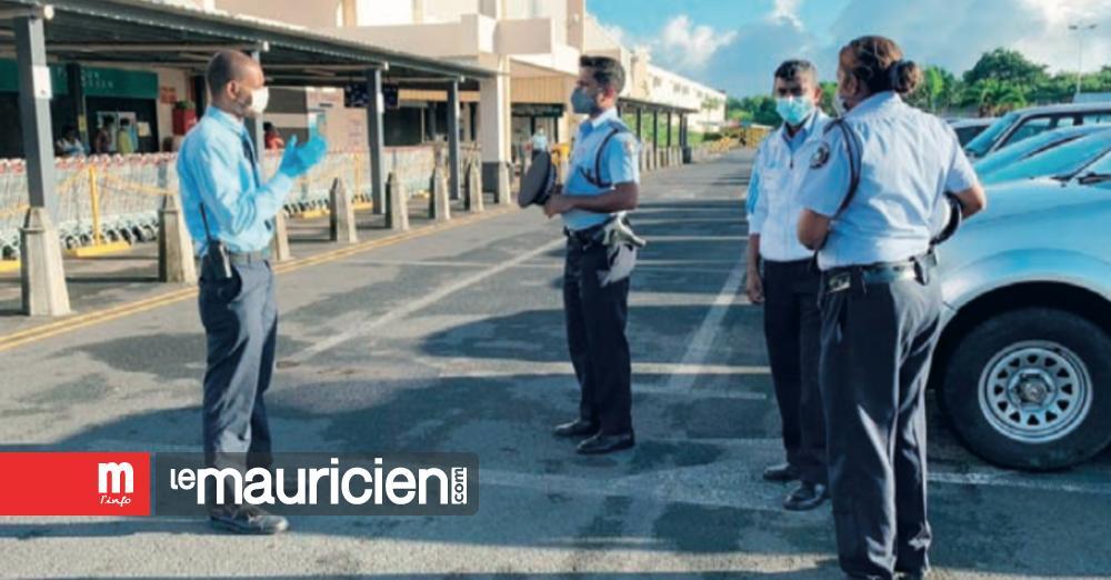 À partir de ce matin : Deux policiers devant chaque supermarché - Le Mauricien