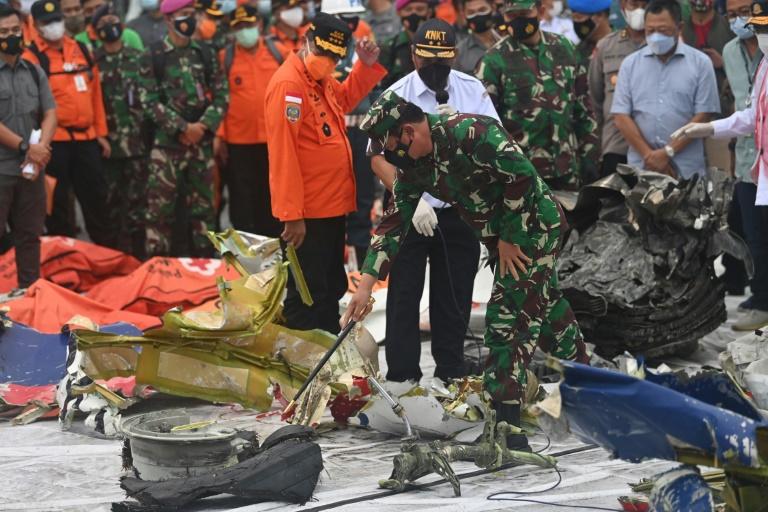 Accident de Boeing en Indonésie: les enquêteurs espèrent trouver la seconde boîte noire - Le Mauricien