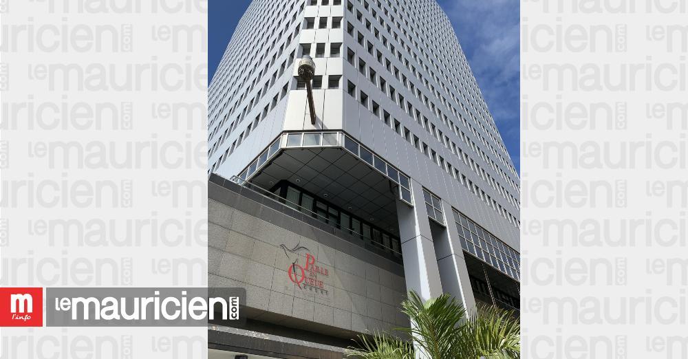 Devant le Paille-en-Queue Court : manif des employés de casinos après 14 suspensions
