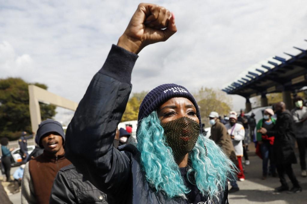 """Virus: l'Afrique du Sud """"techniquement"""" dans une 3e vague - Le Mauricien"""