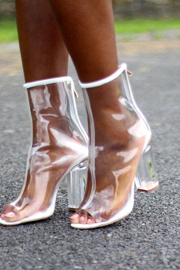 How to Wear Boots in Warm Weather