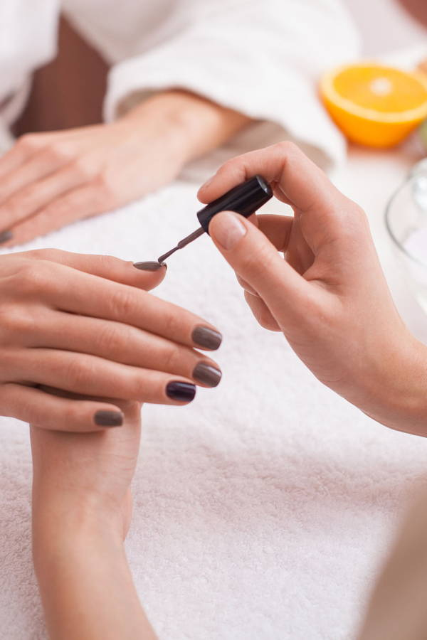 Mobile Manicure Services for the Lazy Girl