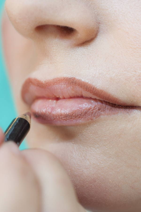 The lip liner techniques that will give you the perfect pout