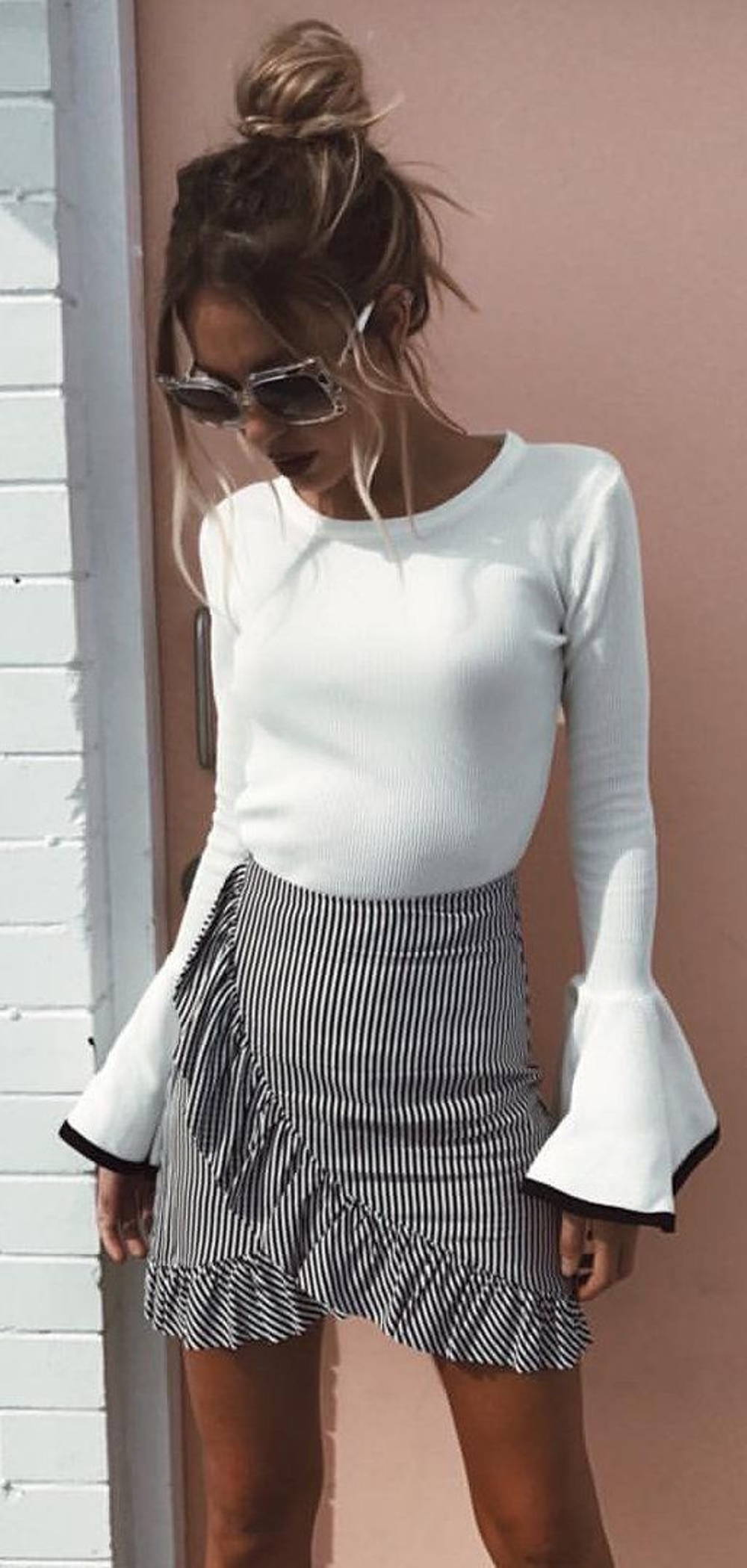 Bell sleeves ruffle skirt